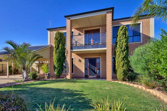8 Stocker Street, Moonta Bay SA 5558