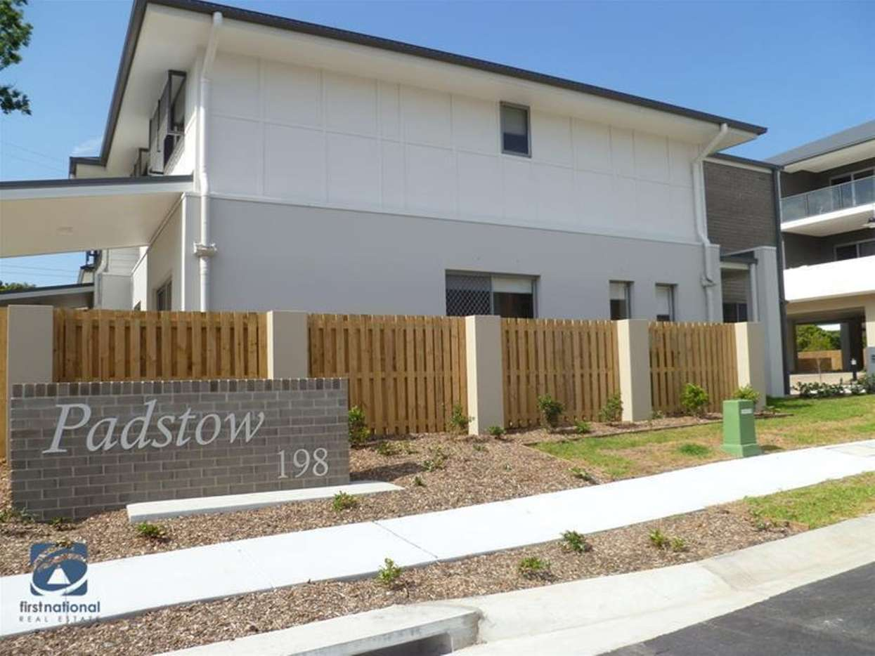 Main view of Homely townhouse listing, 913/8 Win Street, Eight Mile Plains, QLD 4113