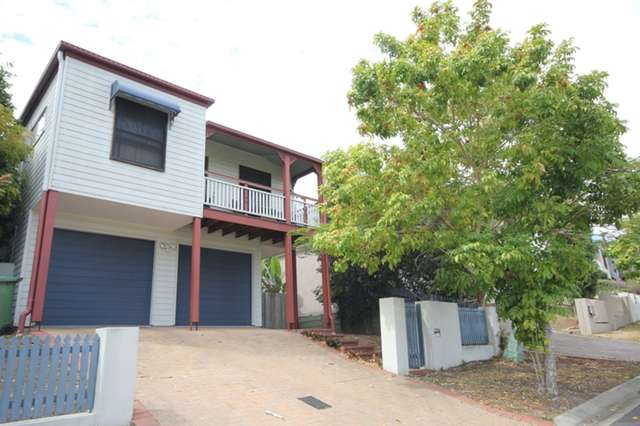 17 Hilltop Terrace, Springfield Lakes QLD 4300