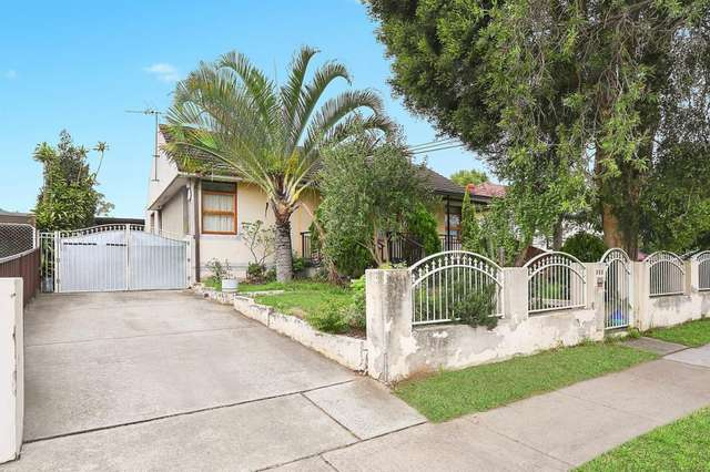 313 waterloo Road, Greenacre NSW 2190