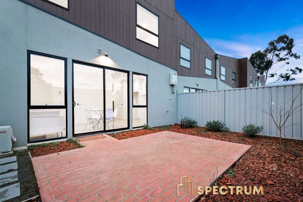 Second view of Homely house listing, 5 Autumn Crescent, Carrum Downs VIC 3201