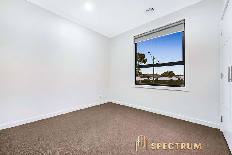 Fifth view of Homely house listing, 5 Autumn Crescent, Carrum Downs VIC 3201