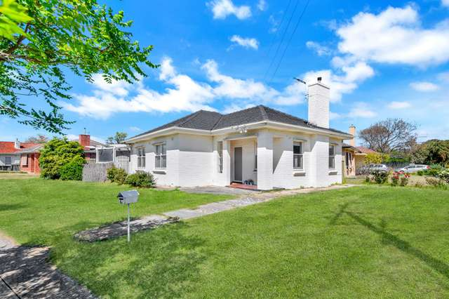 67 Pine Avenue, Glenelg North SA 5045