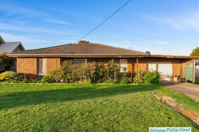 30 Tolley Avenue, Surf Beach VIC 3922