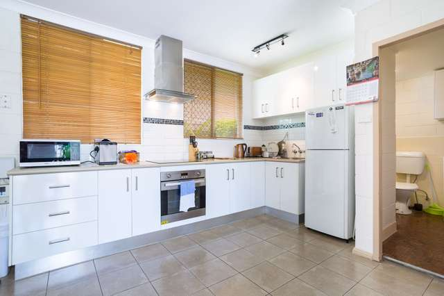 4/211 Lake Street, Cairns City QLD 4870