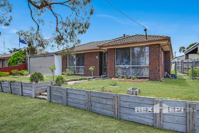 10 Reeves Court, Hampton Park VIC 3976