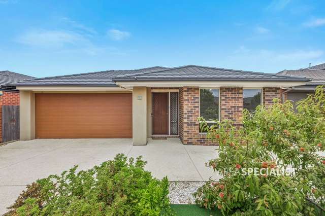 28 Dahlia Crescent, Keysborough VIC 3173