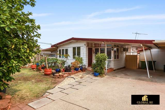 6 Bracknell Rd, Canley Heights NSW 2166