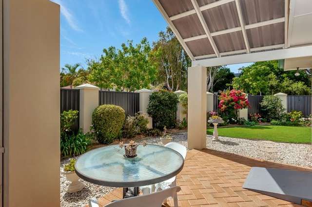 26 Stingray Crescent, Burleigh Waters QLD 4220