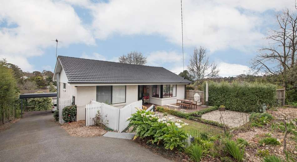8 Inglis Road, Berwick VIC 3806