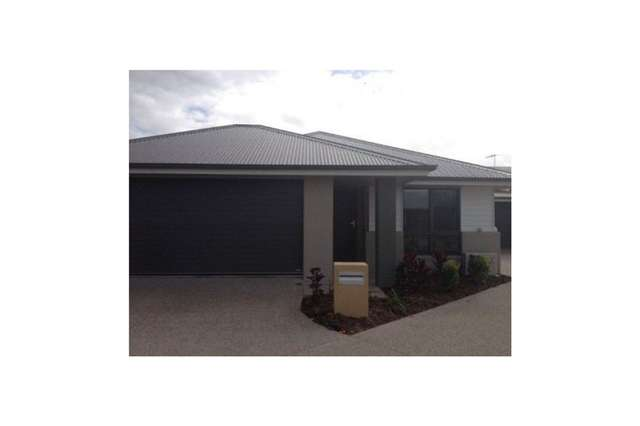 12 Halifax Place, Rural View QLD 4740