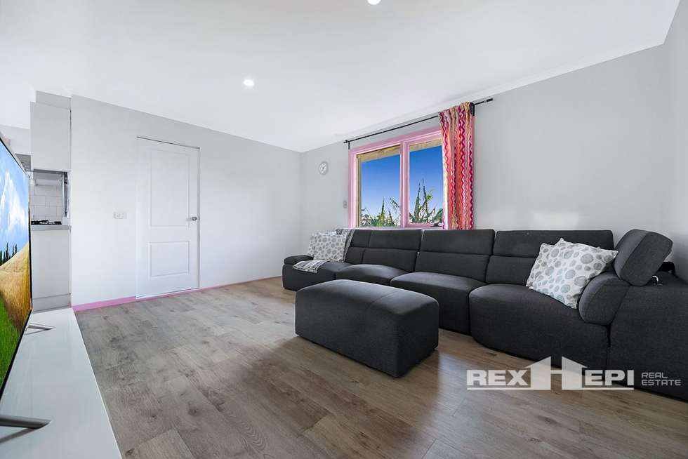 Second view of Homely house listing, 8 Enoch Rise, Hallam VIC 3803