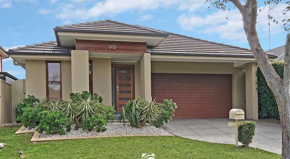 95 Sir Warwick Fairfax Drive, Harrington Park NSW 2567