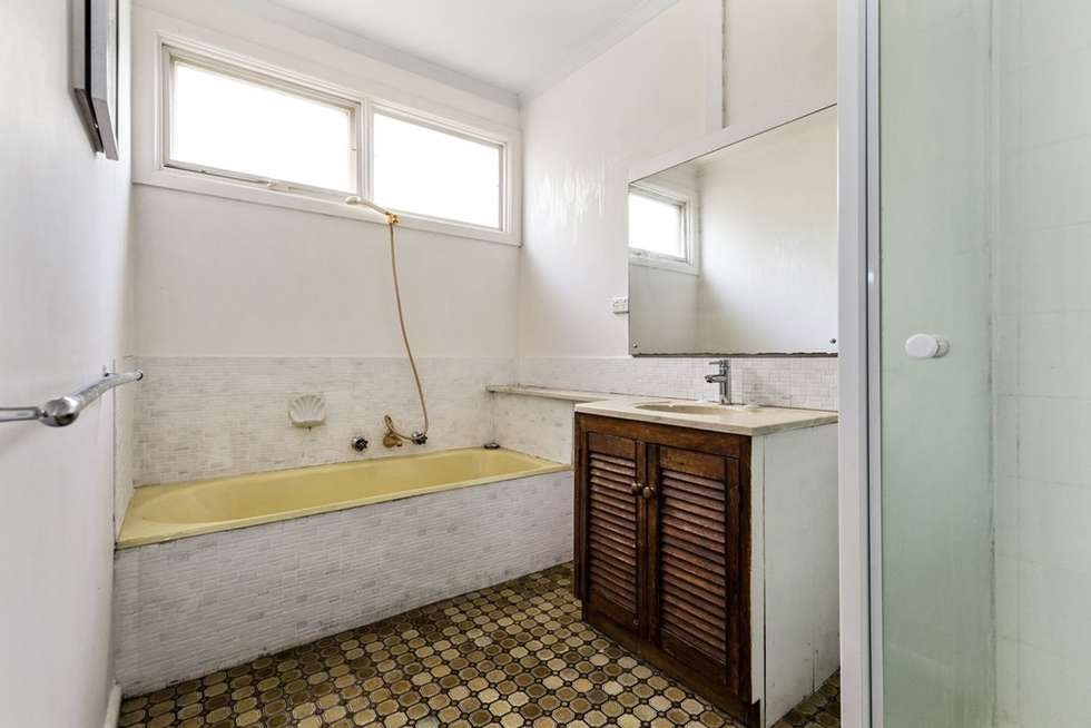 Fifth view of Homely unit listing, 8 Adelaide Avenue, Mount Waverley VIC 3149