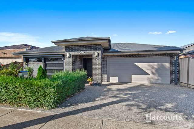 8 Naomi Street, Burnside Heights VIC 3023