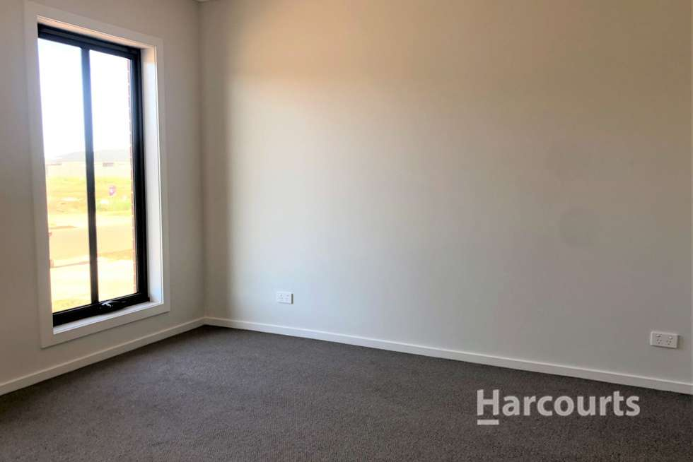 Second view of Homely house listing, 8 Letchworth Street, Strathtulloh VIC 3338
