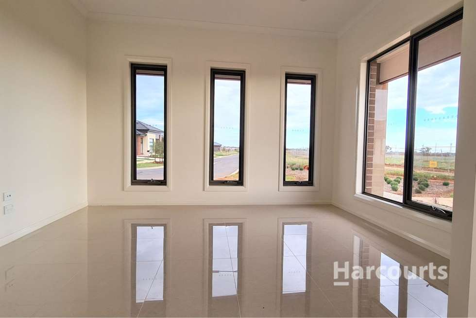 Third view of Homely house listing, 7 Carisbrook Place, Strathtulloh VIC 3338