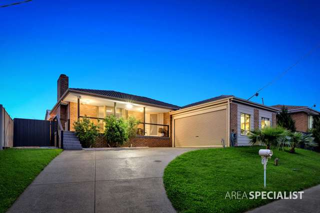32 Huntington Drive, Hampton Park VIC 3976
