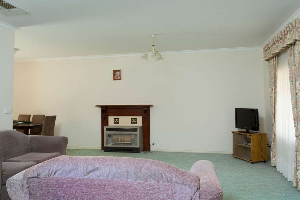 Fifth view of Homely unit listing, 1/10 Larritt Street, Bendigo VIC 3550