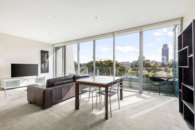 214/2 Newquay Prom, Docklands VIC 3008