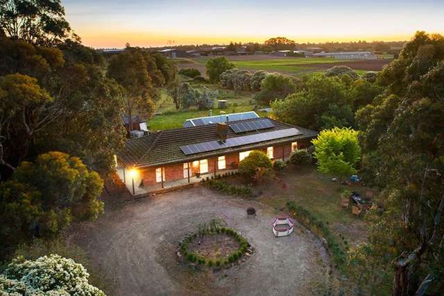 24 Bakers Road, Clyde VIC 3978