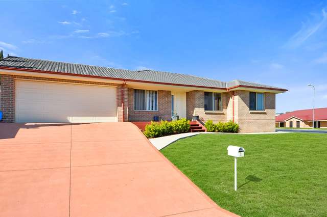 1 French Smith Place, Bathurst NSW 2795
