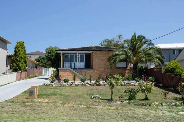 4 Caldwell Street, Caves Beach NSW 2281