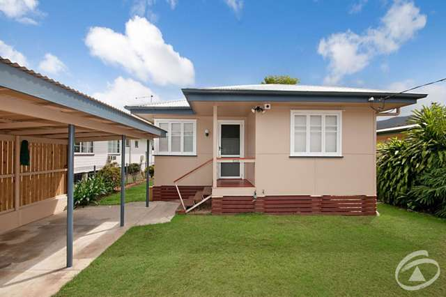 227 Lyons Street, Westcourt QLD 4870
