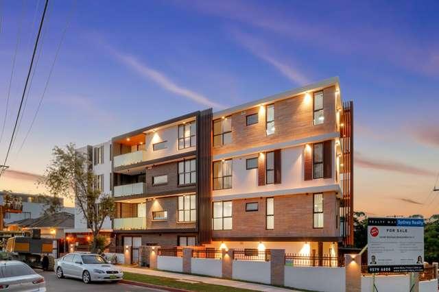 13 Pearce Ave, Peakhurst NSW 2210