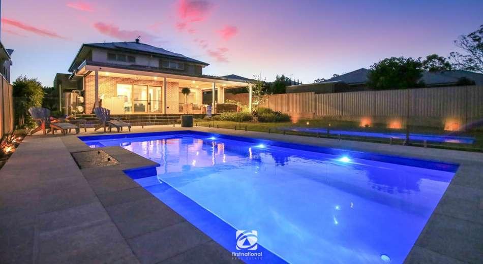 8 Castlemaine cct, Harrington Park NSW 2567