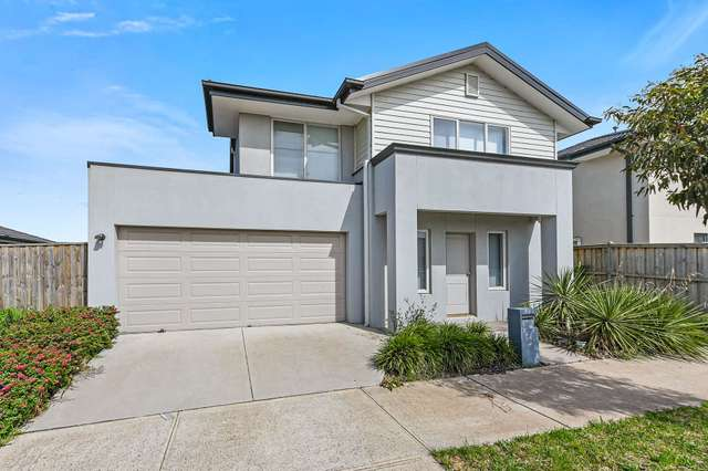 22 Mossey Crescent, Cranbourne East VIC 3977