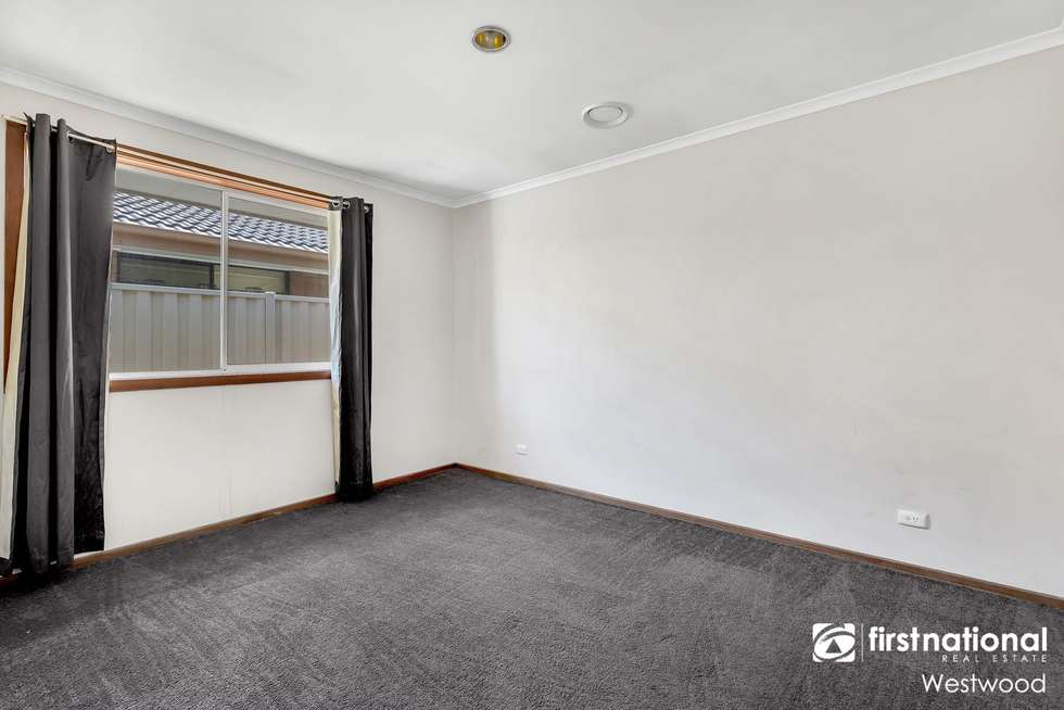Fifth view of Homely house listing, 34 Iluka Drive, Werribee VIC 3030