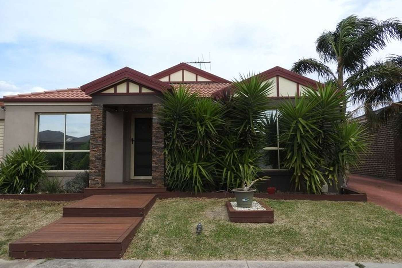 Main view of Homely unit listing, 1/9 Sayvel Close, Hillside VIC 3037