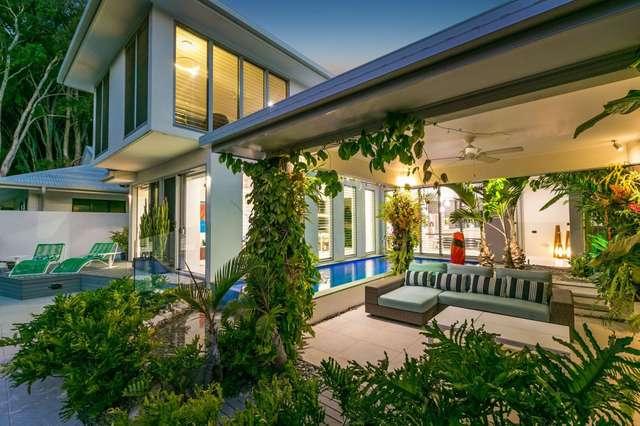 56 Ocean Drive, Palm Cove QLD 4879