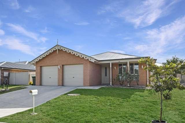 15 Maxwell Drive, Eglinton NSW 2795