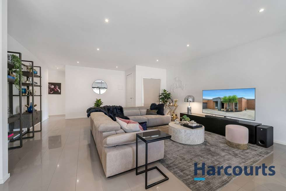 Third view of Homely unit listing, 3/102 Brindalee Way, Hillside VIC 3037