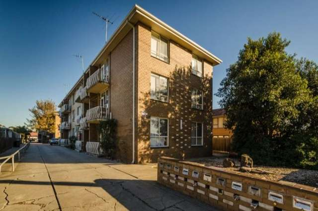 12/5 King Edward Avenue, Sunshine VIC 3020