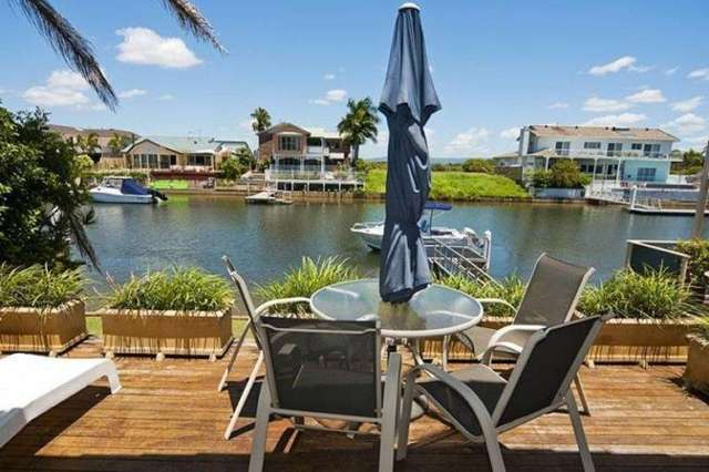 16 Oxley Drive, Paradise Point QLD 4216