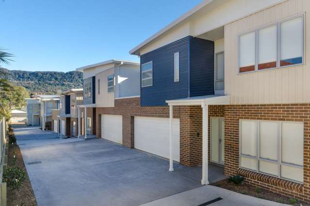 2/12 Russell Street, Balgownie NSW 2519