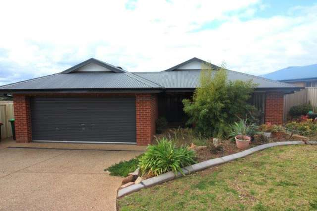 4 Kolor Place, Bourkelands NSW 2650