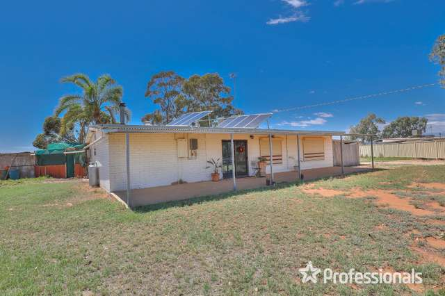 808 River Avenue, Koorlong VIC 3501