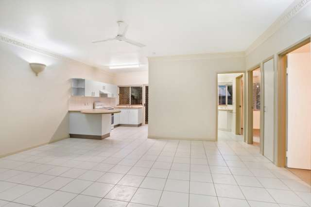 1/60 SWALLOW Street, Mooroobool QLD 4870