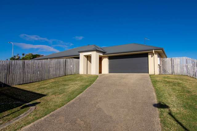 8 James Cook Drive, Rural View QLD 4740