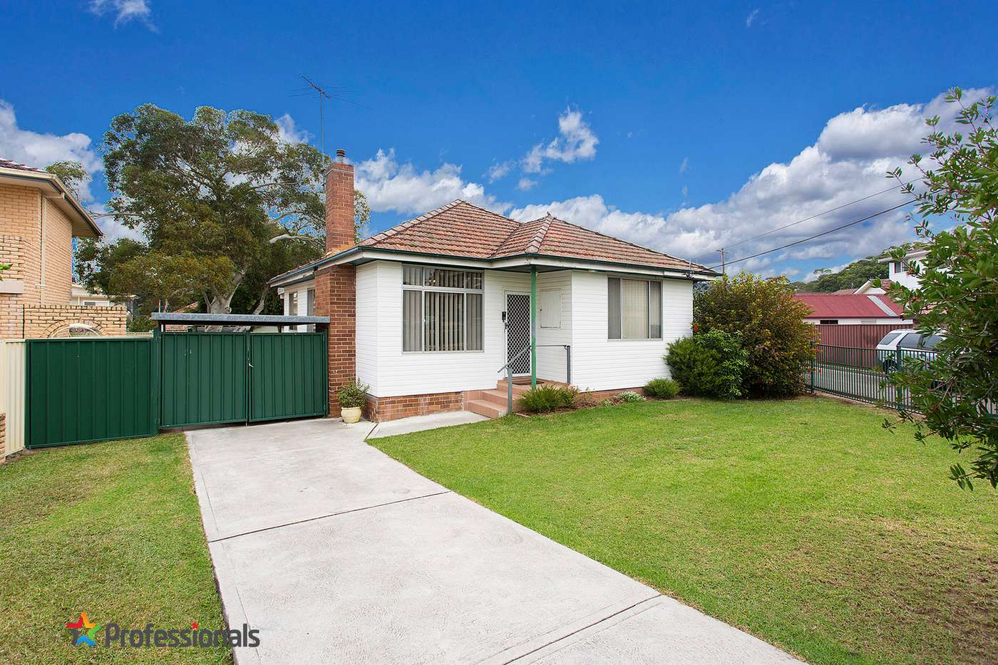 Main view of Homely house listing, 2 Astley Avenue, Padstow, NSW 2211