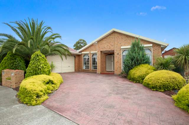 16 Mitchell Court, Taylors Lakes VIC 3038