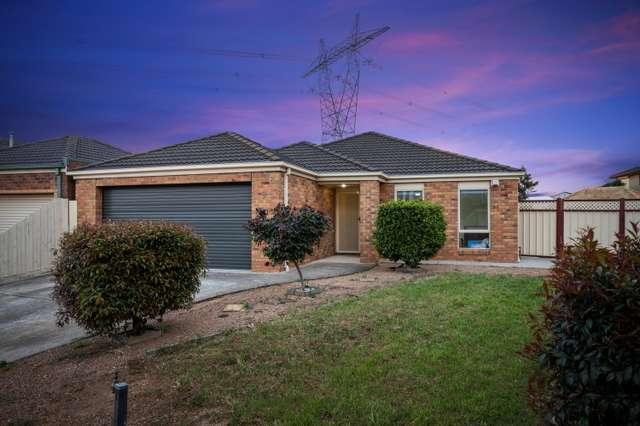 9 Chalmers Place, Taylors Lakes VIC 3038