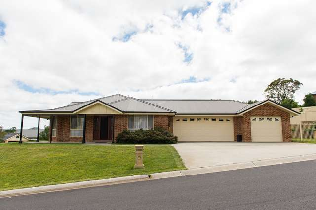 6 Claret Ash Avenue, Lithgow NSW 2790