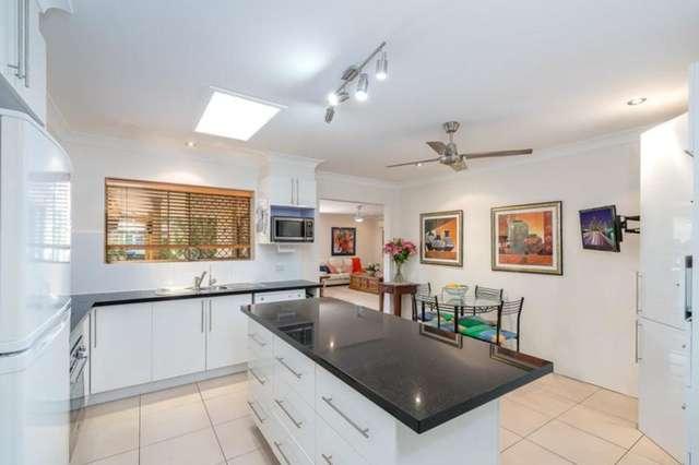 4 Woomera Crescent, Southport QLD 4215