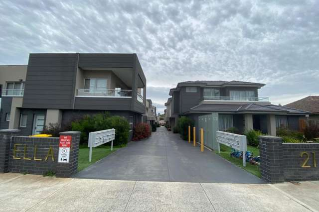 1/21 Station Road, Oak Park VIC 3046