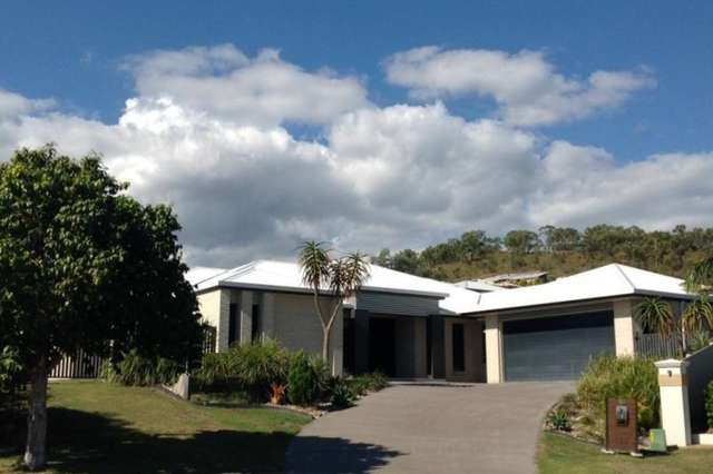 10 Crear Court, Norman Gardens QLD 4701